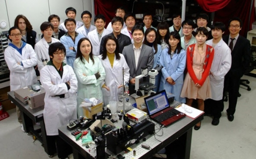 Professor KWON Sunghoon's team has developed a DNA laser printer