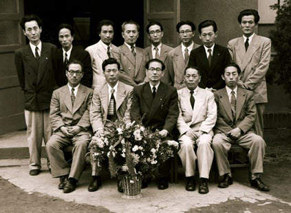 Group photo of the College of Fine Arts professors commemorating the 5th Art Exhibition in 1959. Many of these professors, such as KIM Chong Yung, KIM Se-jung, Thomas CHANG and KIM Heung-Soo, were eminent pioneers of contemporary Korean art.